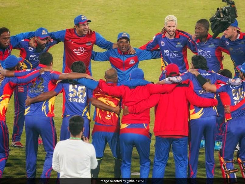 سوپرلیگ 2020 پاکستان: واسم اکرم و پادشاهان کراچی پیروزی PSL را به دین جونز واچ اختصاص دادند