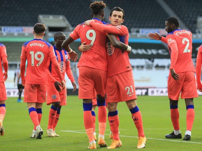 چلسی نیوکاسل را شکست داد و در لیگ برتر به مقام اول رسید