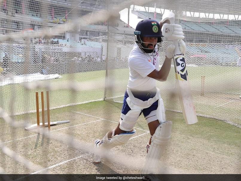 استرالیا در مقابل هند: Cheteshwar Pujara به تور برخورد می کند و برای آزمایش گرم می شود.  تماشا کردن